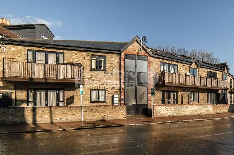 2 Bedrooms Flat for sale in Eardley Road, Streatham, SW16
