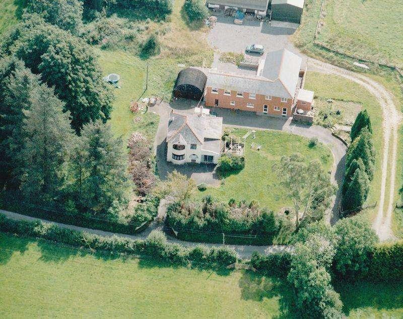 9 Bedrooms Detached House for sale in Dolgran