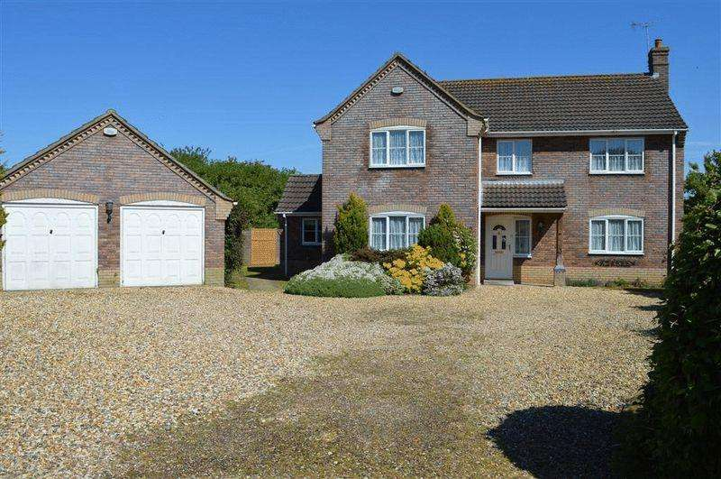 5 Bedrooms Detached House for sale in Burr Close Watton