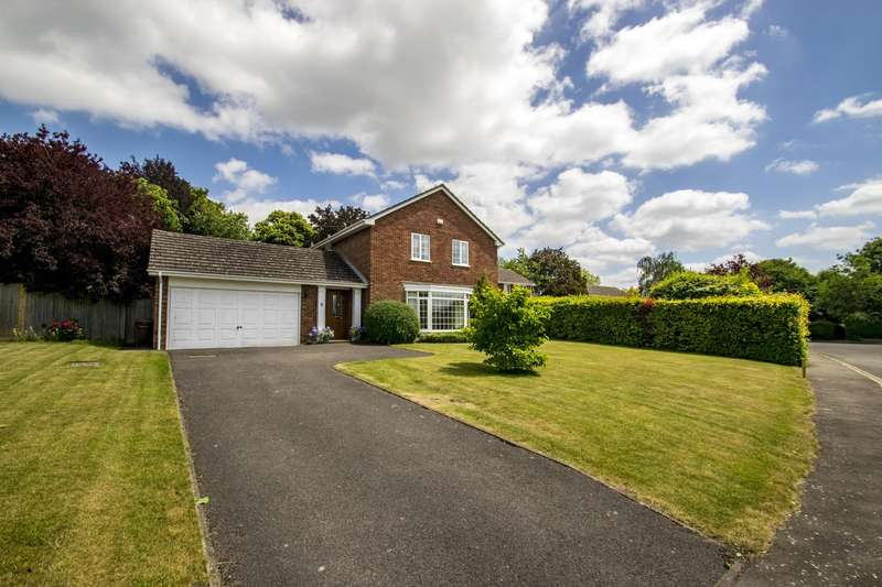 4 Bedrooms Detached House for sale in Whitehills Green, Goring on Thames, Reading, RG8