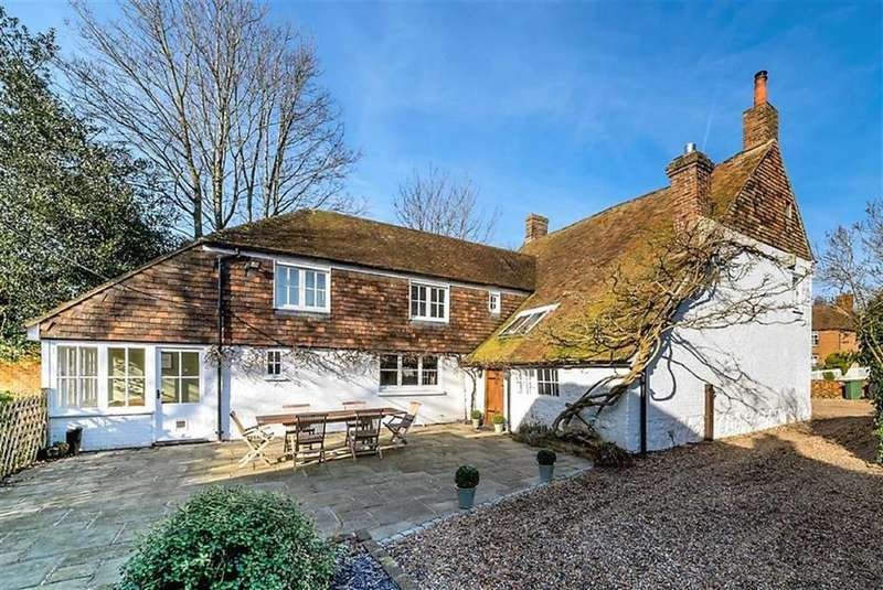 4 Bedrooms Detached House for sale in The Street, Willesborough, Kent