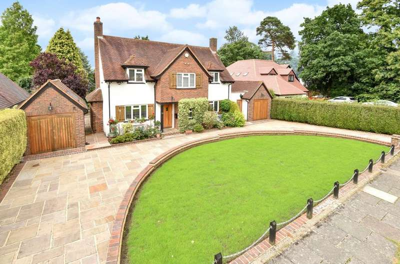 4 Bedrooms Detached House for sale in Beechwood Drive Keston BR2