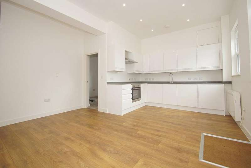 2 Bedrooms Apartment Flat for sale in Green Lane, London, SE9