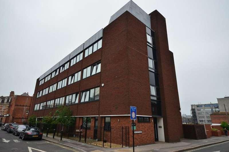 1 Bedroom Apartment Flat for sale in Birchett Road, Aldershot