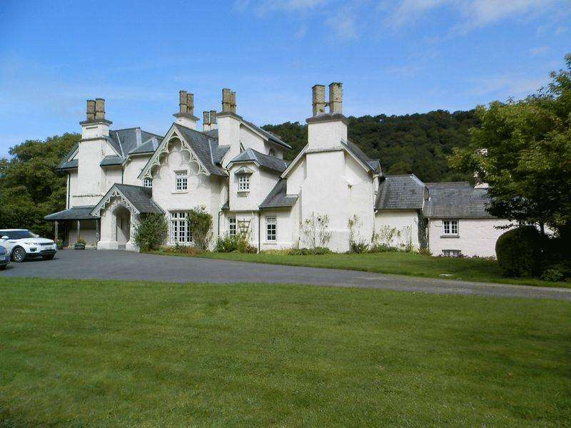 9 Bedrooms Detached House for sale in Lancych, Boncath