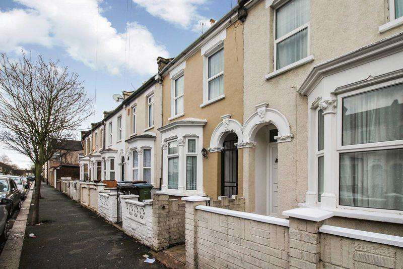3 Bedrooms Terraced House for sale in Chichester Road, Leytonstone, E11