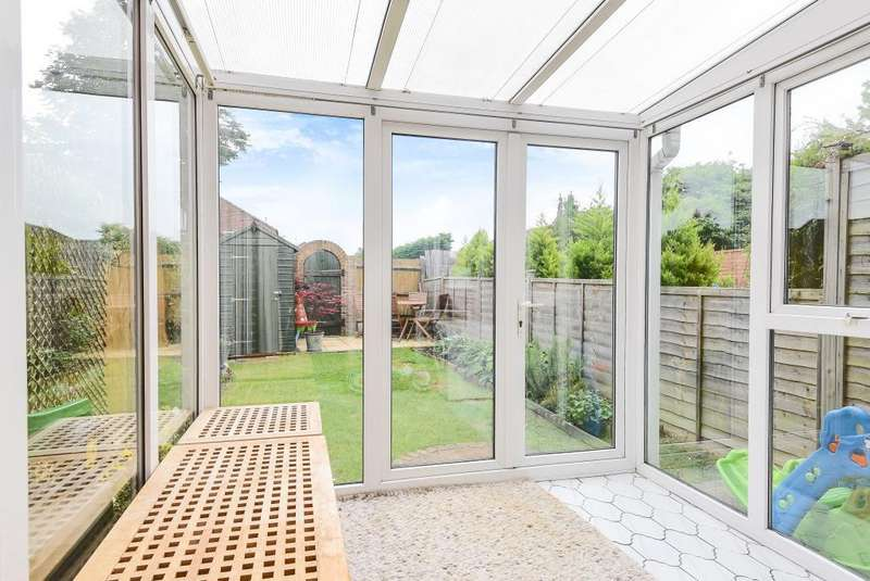 2 Bedrooms House for sale in Porlock Close, Thatcham, RG19