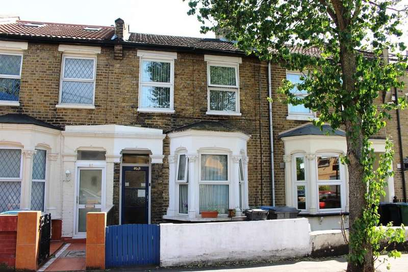 2 Bedrooms Flat for sale in Acacia Road, Leytonstone, E11