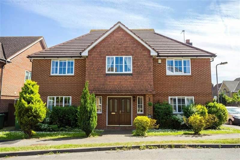 5 Bedrooms Detached House for sale in Nightingale Road, Cheshunt, Hertfordshire