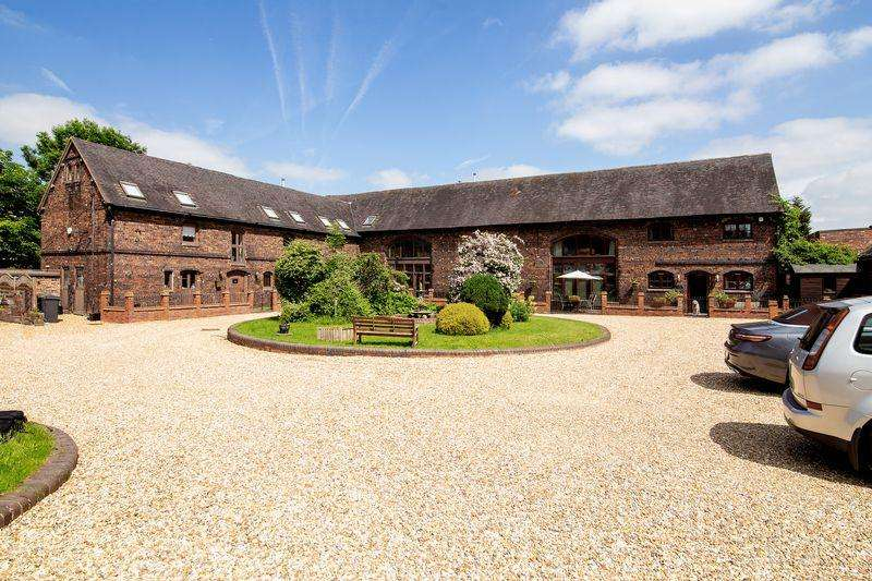 4 Bedrooms Barn Conversion Character Property for sale in Bodymoor Green Farm, Kingsbury