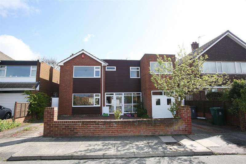 5 Bedrooms Detached House for sale in Longridge Drive, Whitley Bay