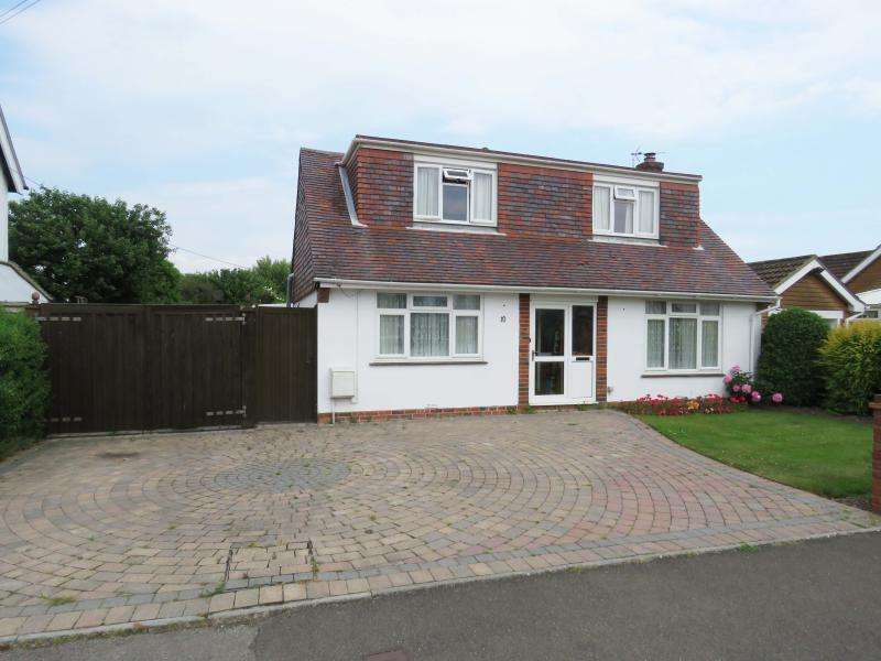 3 Bedrooms Chalet House for sale in Chichester Avenue, Hayling Island