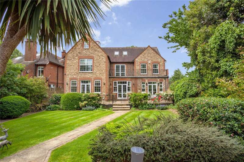 5 Bedrooms Detached House for sale in Wellington Road, Enfield, Middlesex, EN1