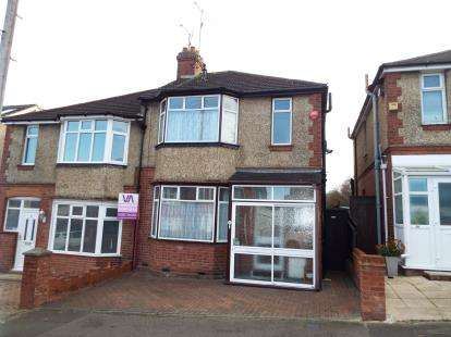 House for sale in Alton Road, Luton, Bedfordshire