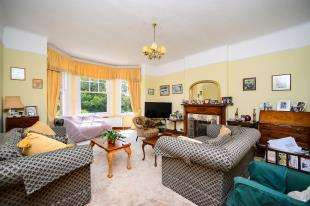 4 Bedrooms Detached House for sale in Hartfield Road, Seaford, East Sussex