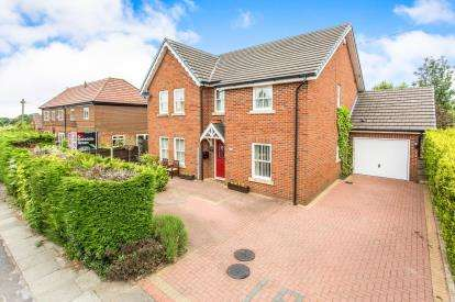 6 Bedrooms Detached House for sale in Braddyll Road, Over Hulton, Bolton, Greater Manchester, BL5