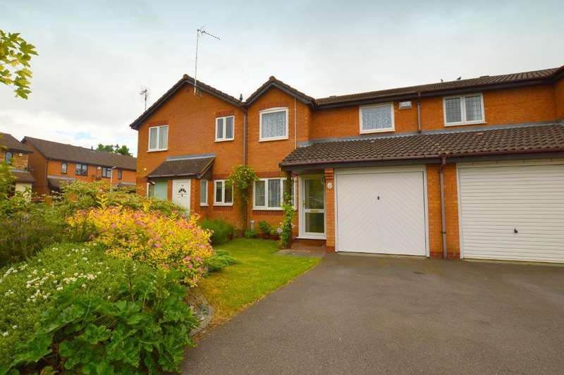 3 Bedrooms Terraced House for sale in Furze Close, Luton, LU2 7UB