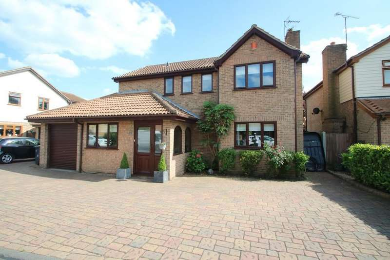 5 Bedrooms Detached House for sale in Ducketts Mead, Canewdon, Rochford