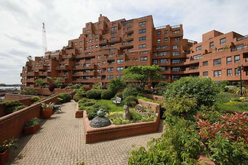 3 Bedrooms Flat for sale in The Highway, Free Trade Wharf, Stepney, London