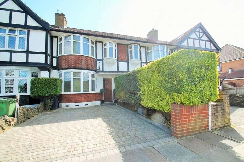 3 Bedrooms Terraced House for sale in FULLWELL AVENUE, BARKINGSIDE