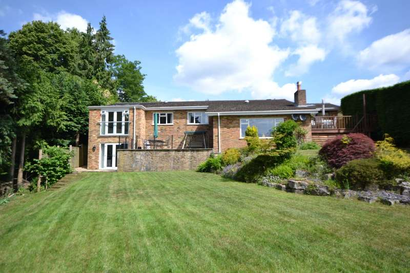 5 Bedrooms Detached House for sale in The Bourne