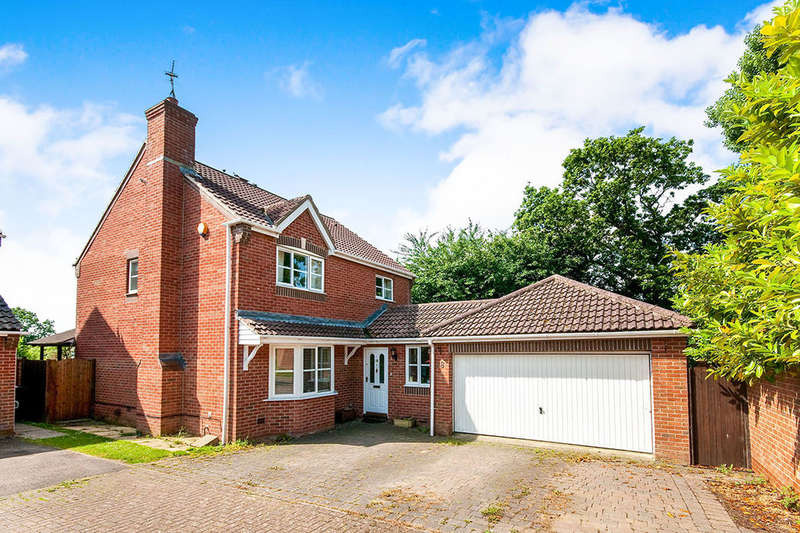 5 Bedrooms Detached House for sale in Medina Drive, Stone Cross, Pevensey, BN24