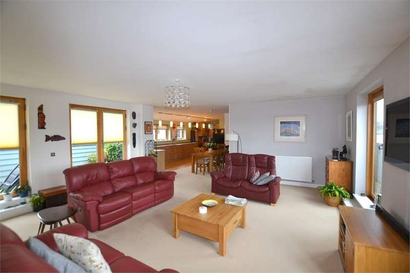 2 Bedrooms Flat for sale in Penthouse Apartment, Central Truro