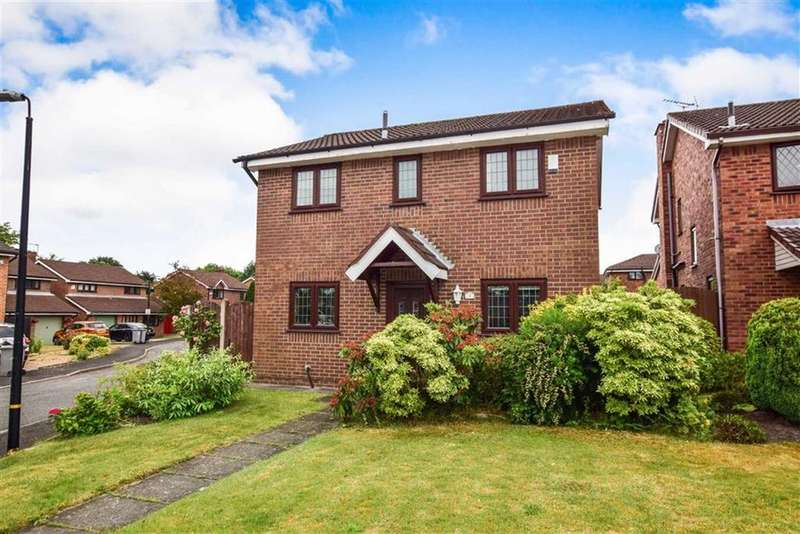 3 Bedrooms Detached House for sale in Bickerton Road, Altrincham, Cheshire, WA14