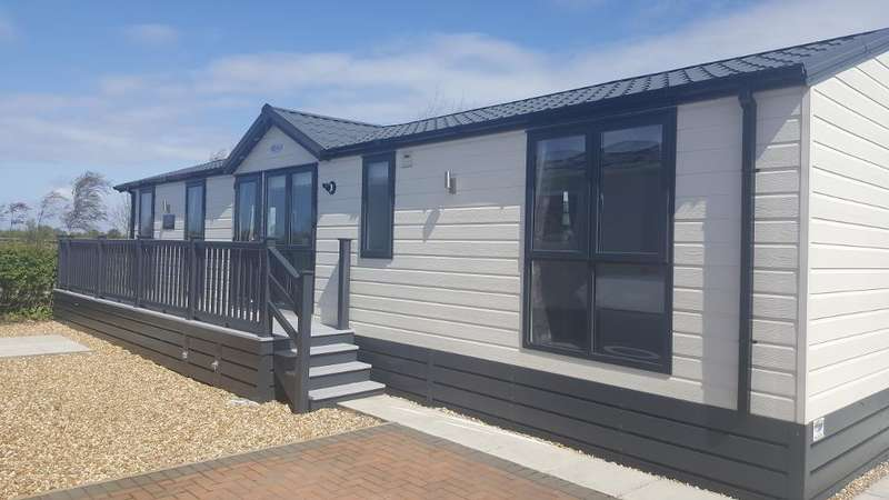 2 Bedrooms Park Home Mobile Home for sale in Willowgrove Leisure Park, Sandy Lane, Preesall, Lancashire, FY6 0RB