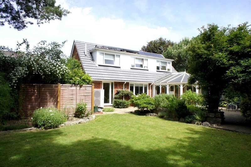 4 Bedrooms Detached House for sale in Harrogate Road, Caversham Heights