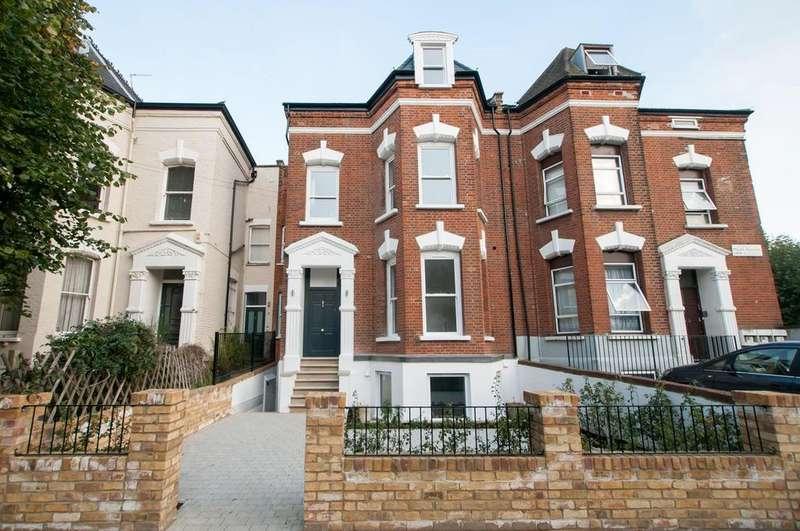 2 Bedrooms Flat for sale in Mount Pleasant Lane, Clapton, London