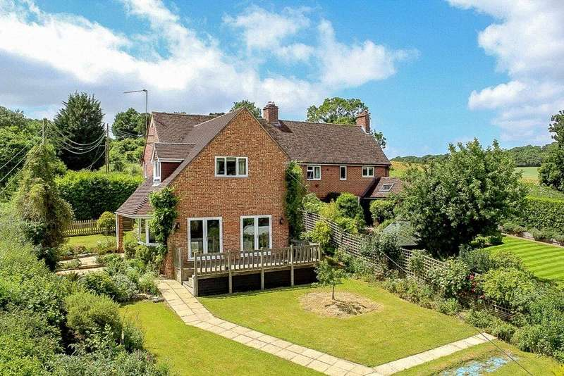 4 Bedrooms Semi Detached House for sale in Easton Hill, Easton, Newbury, RG20