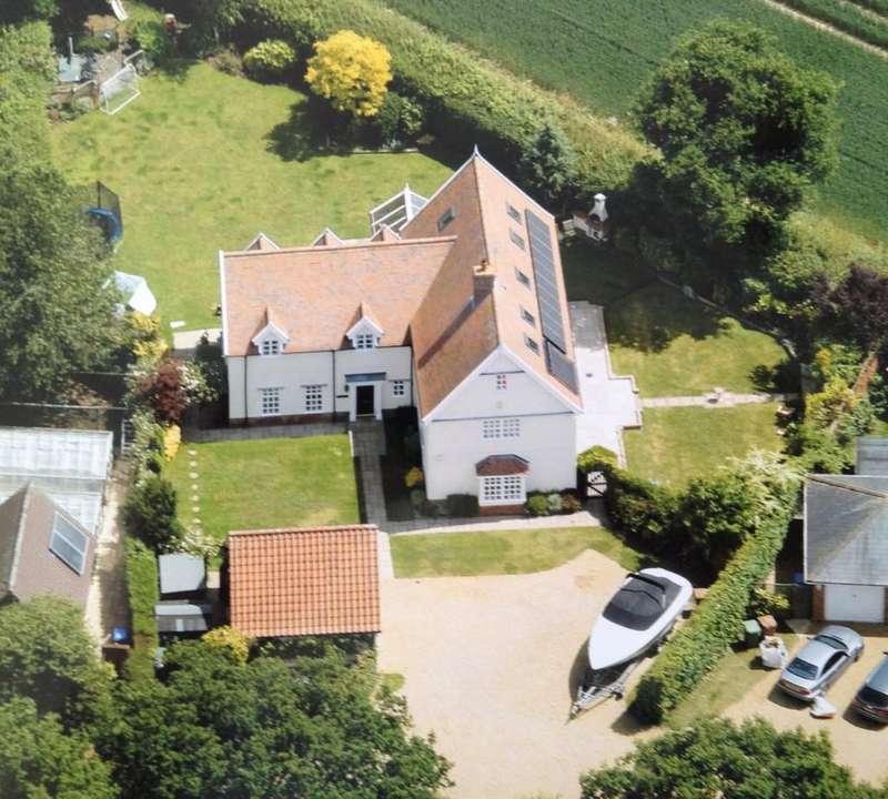 5 Bedrooms Detached House for sale in Link Lane, Bentley, Ipswich, IP9 2DP
