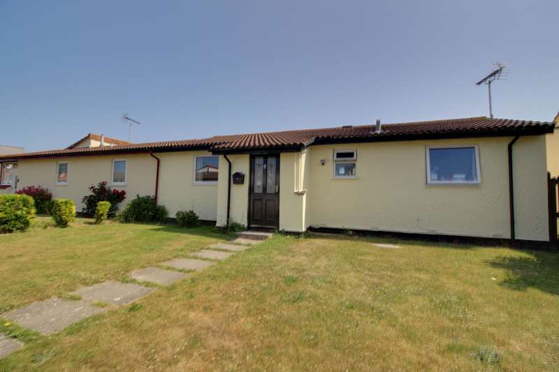 2 Bedrooms Bungalow for sale in Criafolen, Abergele, Clwyd, LL22 9AN