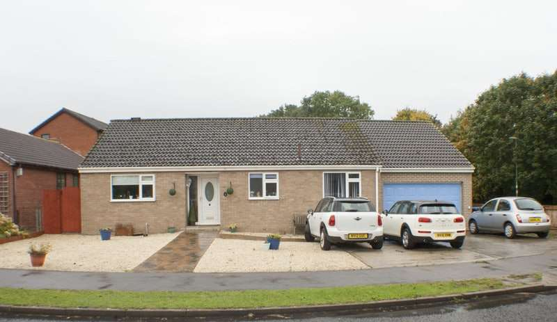 4 Bedrooms Bungalow for sale in Lowther Drive, Newton Aycliffe, County Durham, DL5
