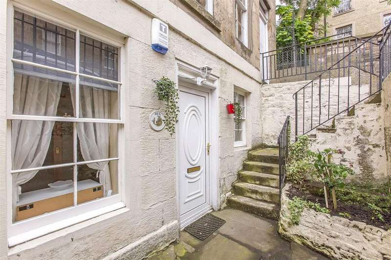 2 Bedrooms Flat for sale in 41A St. Patrick Square, Edinburgh, EH8