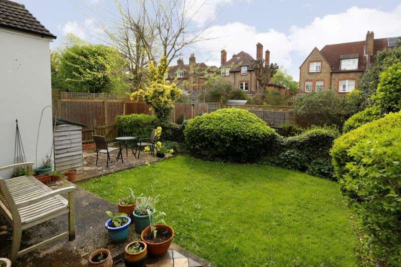 2 Bedrooms Flat for sale in Thirlmere Road, London SW16