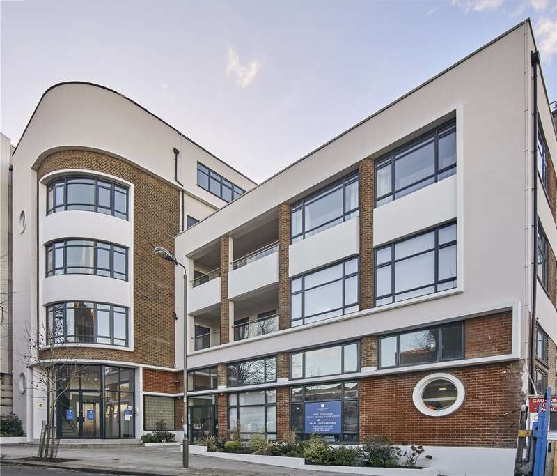 2 Bedrooms Apartment Flat for sale in Dollis Park, Church End, London, N3