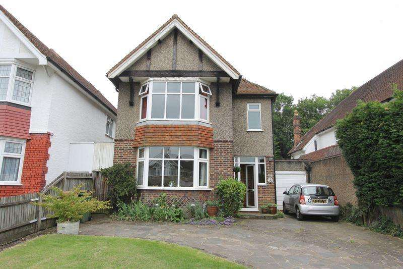 4 Bedrooms Detached House for sale in Grove Road, Sutton
