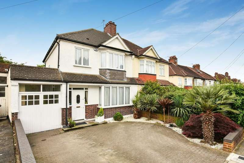 3 Bedrooms Semi Detached House for sale in Pitfold Road, Lee