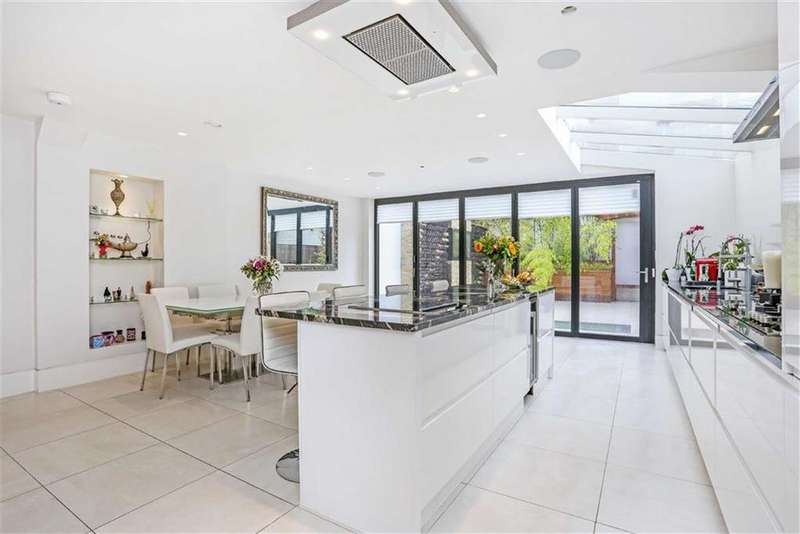 3 Bedrooms Flat for sale in Ainger Road, Primrose HIll, London, NW3