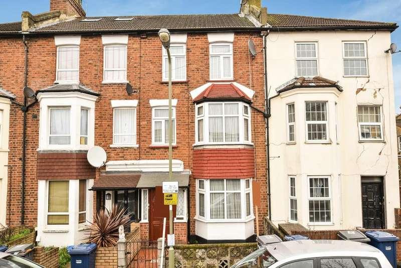 3 Bedrooms Flat for sale in Gruneisen Road, Finchley, N3