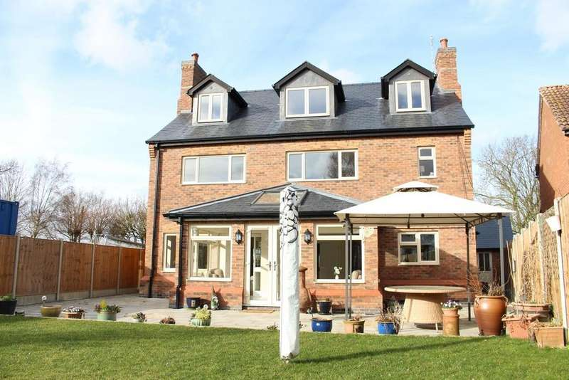 5 Bedrooms Detached House for sale in Bulkington, Warwickshire, CV12