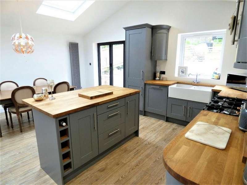 4 Bedrooms Semi Detached Bungalow for sale in St Marys Drive, Langho, BLACKBURN, Lancashire