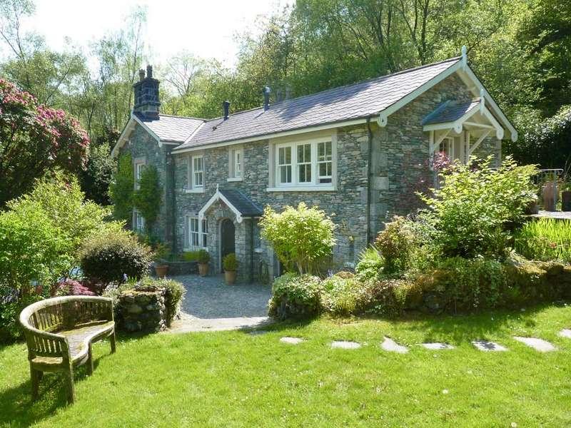 3 Bedrooms Detached House for sale in Duddon Lodge, Duddon Bridge, Broughton-in-Furness, Cumbria, LA20 6EU