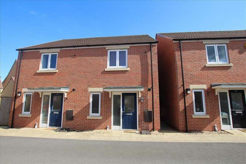 2 Bedrooms Semi Detached House for sale in Whittle Drive, BIGGLESWADE, SG18