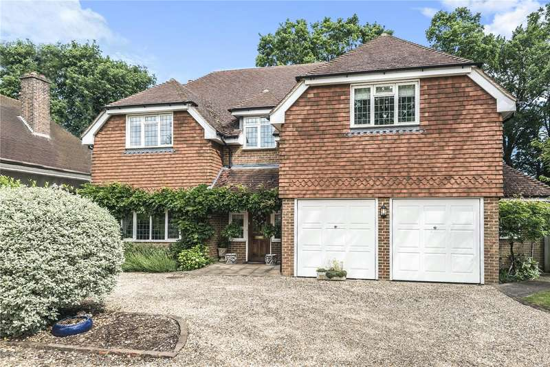 5 Bedrooms Detached House for sale in Wey Manor Road, Addlestone, New Haw, Surrey, KT15