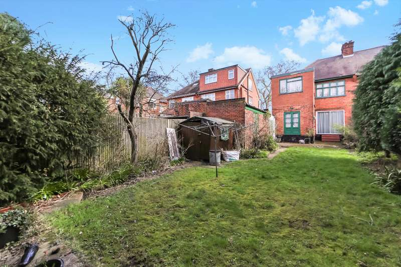 4 Bedrooms Semi Detached House for sale in Longstone Avenue, London