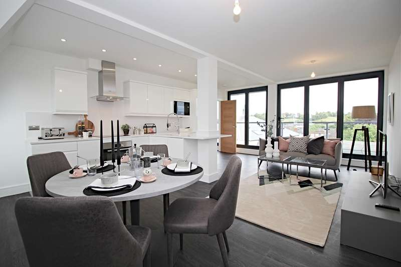 2 Bedrooms Penthouse Flat for sale in Brand Street, Hitchin, SG5