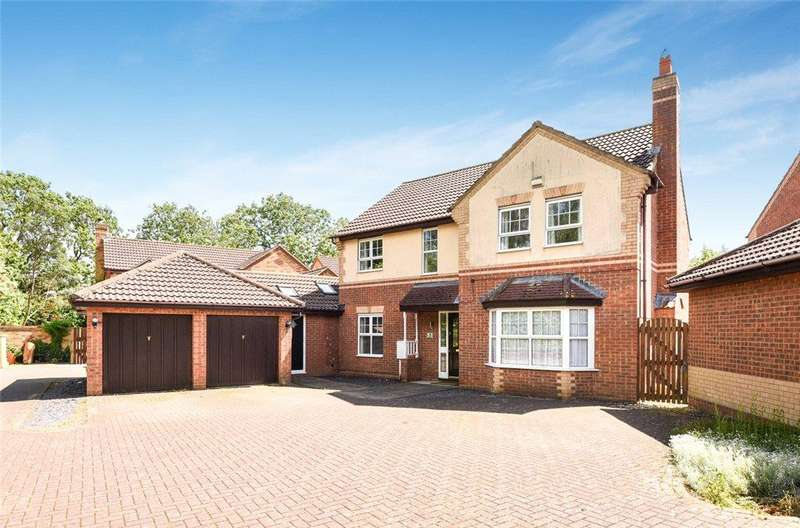 4 Bedrooms Detached House for sale in Wardstone End, Emerson Valley, Milton Keynes, Buckinghamshire